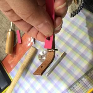 手作り革のストラップ カシメの使い方
