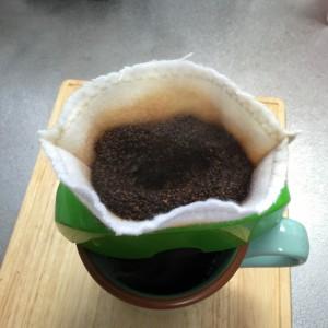 手作りコーヒーフィルター ドリップ中