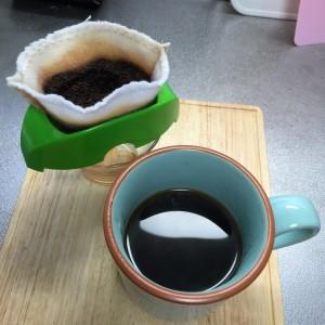 コーヒーフィルターをハンドメイドする