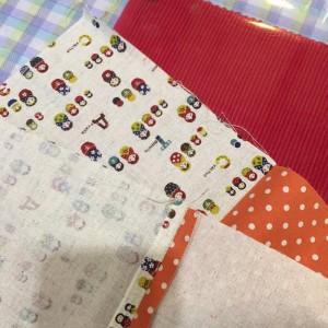 あずきカイロ 布を縫う