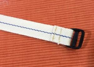 肩紐の付け方 コキに紐を通す