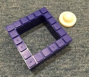 シリコンで型取り 片面の型を作る