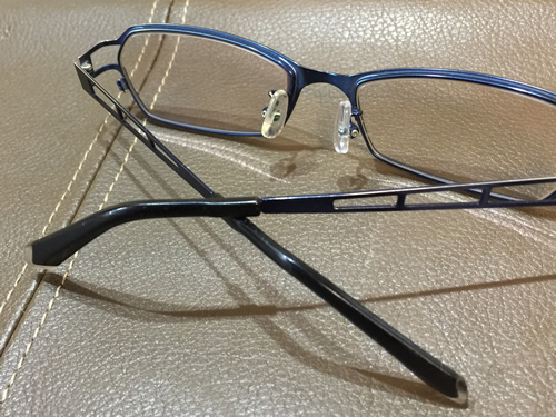 メガネの修理を自分でする