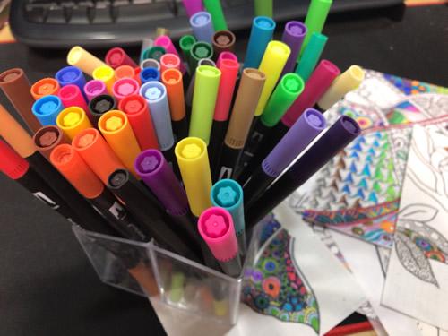 水彩ペン アートマーカーで彩色