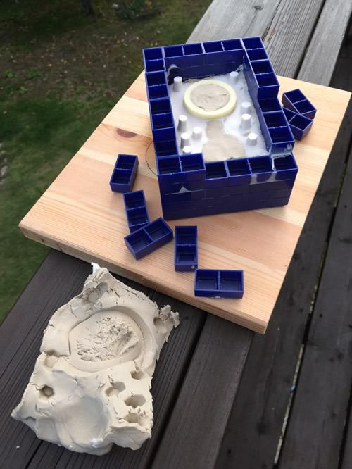 シリコンで型取り 油粘土を取り除く