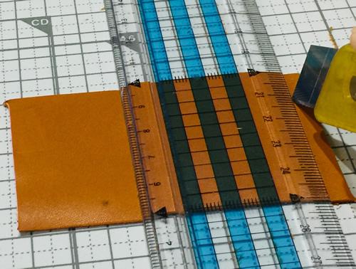 革でタッセルを作る