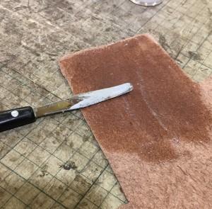 革製品の毛羽立ちを取る